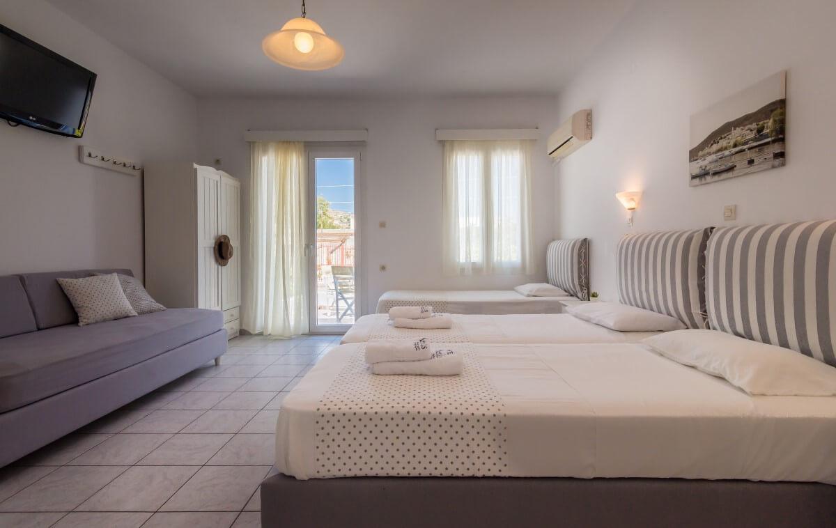 rooms in milos
