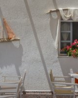 accommodation in milos